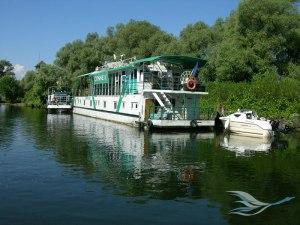 hotel-plutitor-2